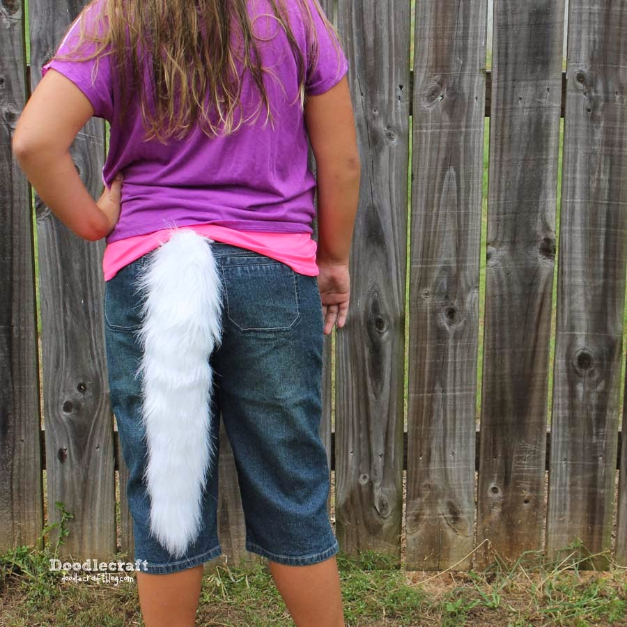 Wolf tail tutorial great for Halloween costume, cosplay or clubwear diy
