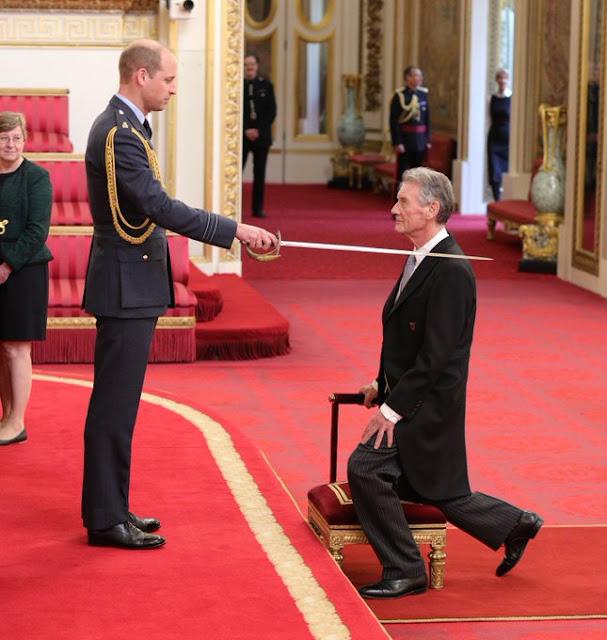 Książę William przewodniczył inwestyturze w Pałacu Buckingham