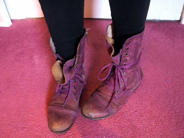 Rock 'n' Roll - outfit shoe details of purple, laced combat style boots