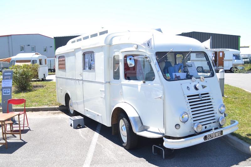club5a le saviez vous le plus ancien camping car roule encore. Black Bedroom Furniture Sets. Home Design Ideas