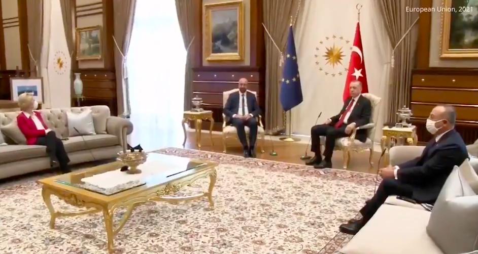 Η σημασία του οθωμανικού καναπέ