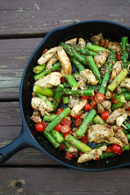 Skillet Pesto Chicken and veggies is an easy, healthy weeknight meal for any day of the year!