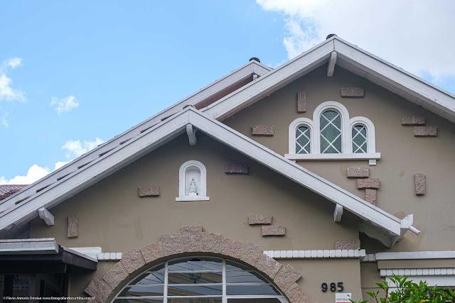 Casa na Rua Bom Jesus - detalhe capelinha e janelas