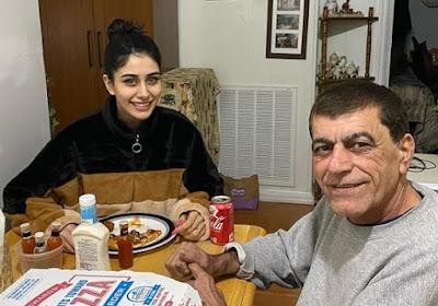 Warina Hussain Age, Boyfriend, Height, Family, Movies & Wiki | Warina Hussain | Teckum.com |