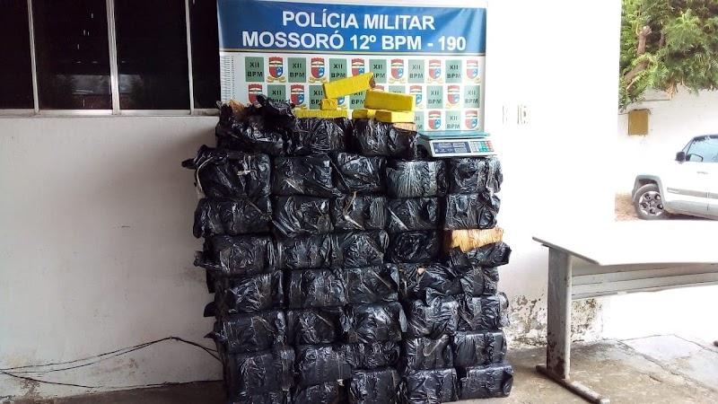 POLÍCIA MILITAR REALIZA A MAIOR APREENSSÃO DE DROGAS EM MOSSORÓ.