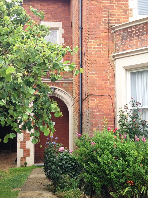 english architecture brick house