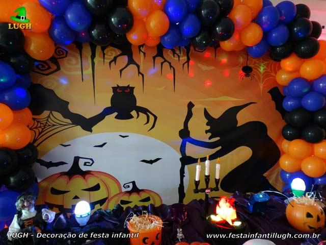 Decoração de mesa tema Halloween tradicional luxo