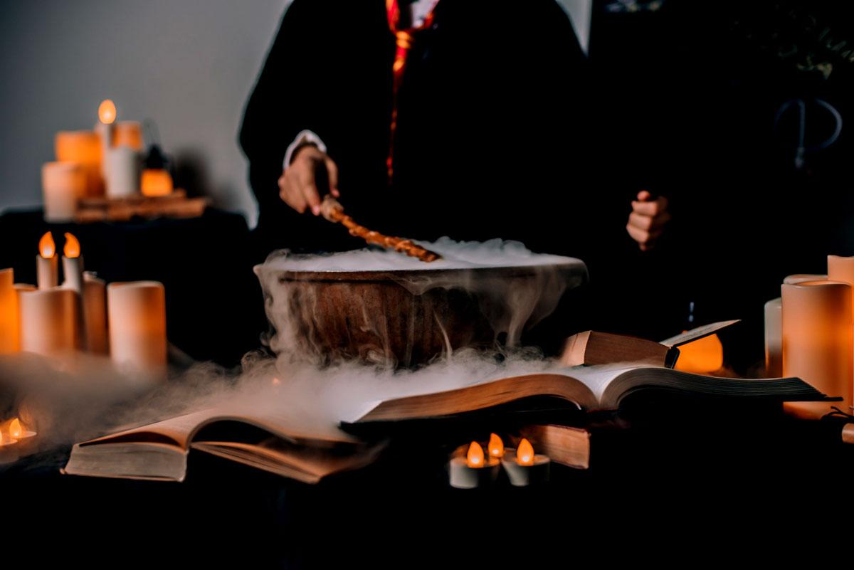 هل يعرف الساحر الغيب او يحضر اروح الموتى ما هي قدرات الساحر