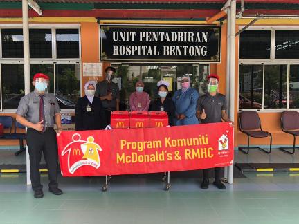 McDonald's Malaysia Taja Makanan Frontliners Perubatan