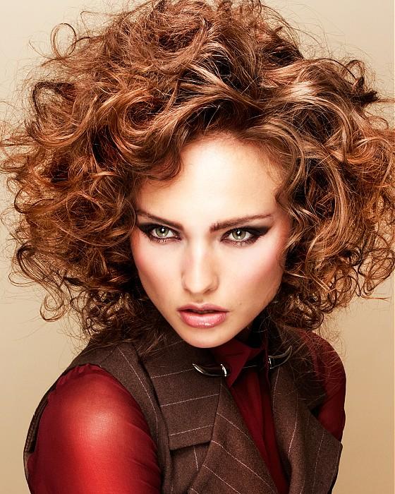 La moda en tu cabello cortes y peinados de pelo corto con - Peinados cortos y rizados ...