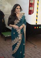 Vidya Balan looks super cute in Saree 002.jpg