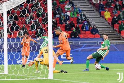 ملخص واهداف مباراة يوفنتوس وفيرينكفاروس (4-1) دوري ابطال اوروبا