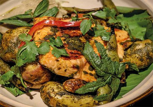 Trucha a la parrilla en salsa de pachamanca