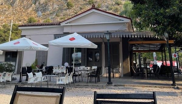 """Καλοκαιρινό καφεδάκι στον """"Σταθμό"""" με τον  Σύλλογο Καρκινοπαθών και Φίλων Αργολίδας"""