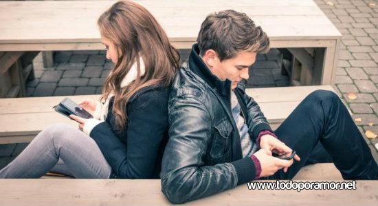 Como afecta WhatsApp en la pareja