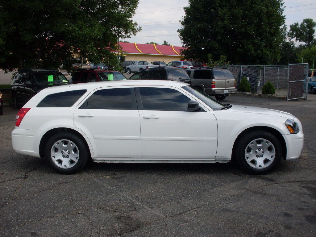 Dodge Magnum White on 2004 Dodge Durango