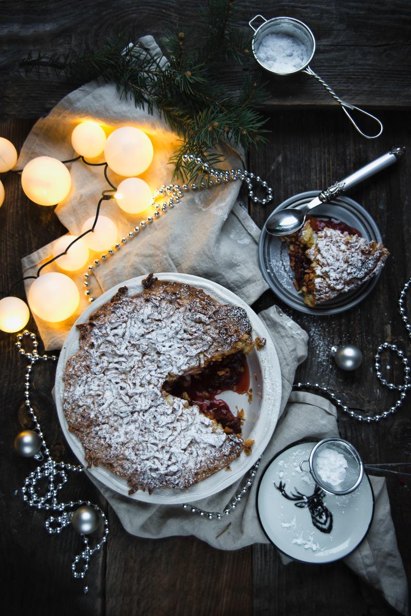 Kruche ciasto cynamonowe z nadzieniem śliwkowym