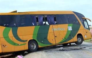 Acidente com ônibus de turismo deixa 4 mortos e 21 pessoas feridas em Barreiras