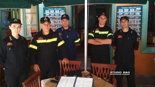 Ενημέρωση για την πυρασφάλεια από την Πυροσβεστική σε ταβέρνες του παλιού Ναυπλίου