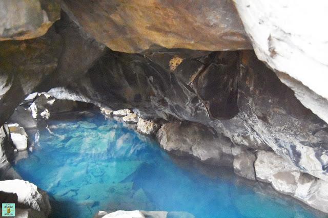 Cueva Grjótagjá en Mývant, Islandia