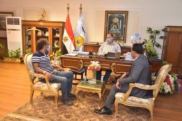 """محافظ أسيوط يعلن دعمه للمبادرة  """"صنايعية مصر"""" وأنشطة الثقافة"""