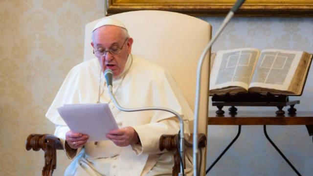 Papa pede que se pare de 'instrumentalizar' religião para incitar ódio