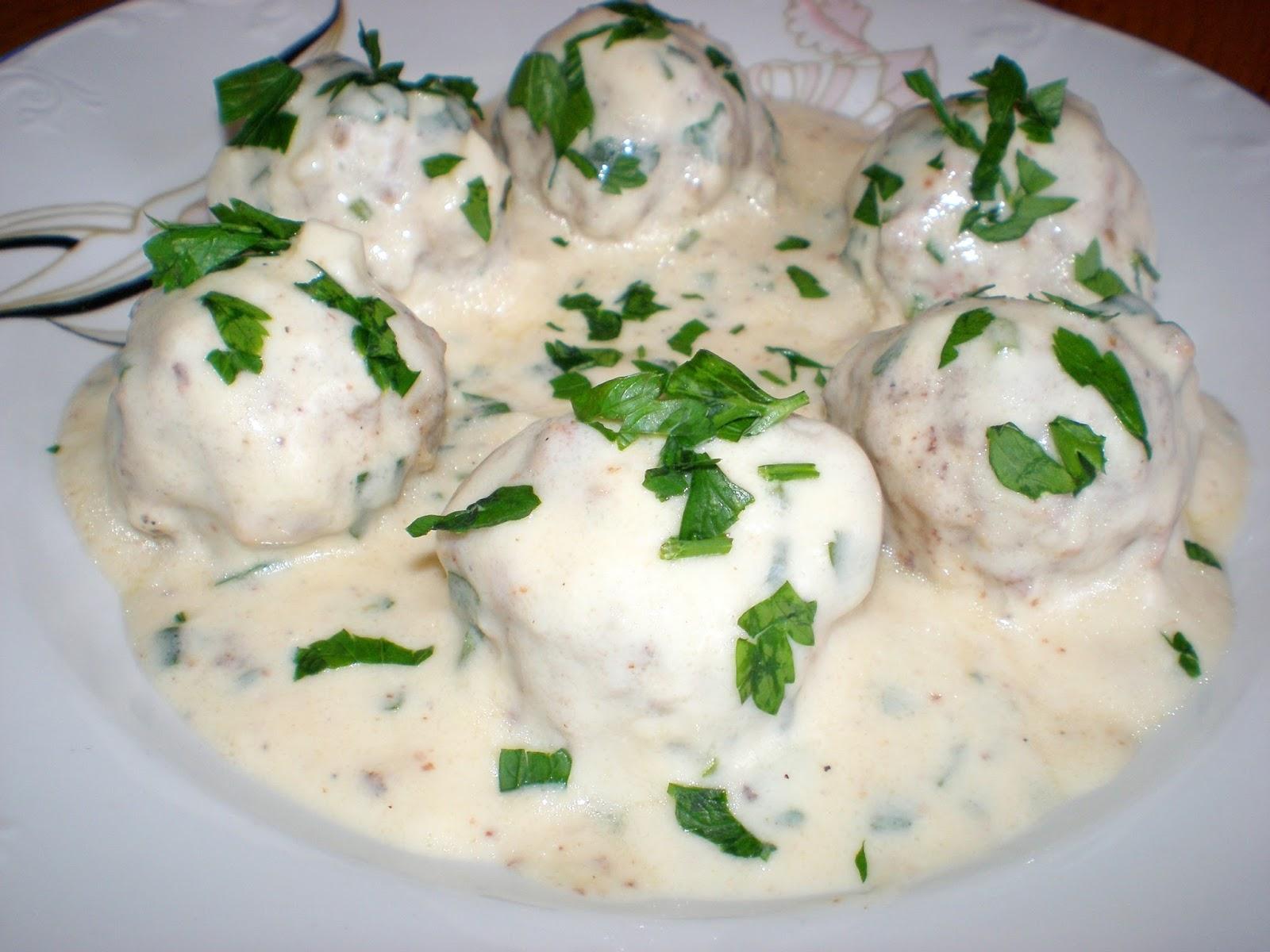 Chifteluțe în sos alb