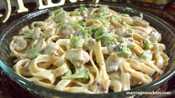 Creamy Broccoli Fettuccine recipe