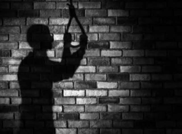 Berumah Tangga Baru 3 Minggu, Bunuh Diri >> https://www.onlinepantura.com/2020/05/berumah-tangga-baru-3-minggu-bunuh-diri.html
