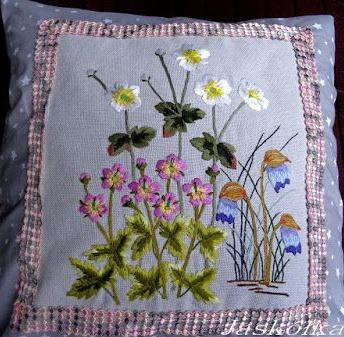 Moje haftowane poduszki na Pintereście