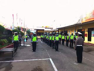 Tanamkan Disiplin Kepada Personil,Kasat Lantas Polres Gowa Gelar Latihan Internal Baris Berbaris