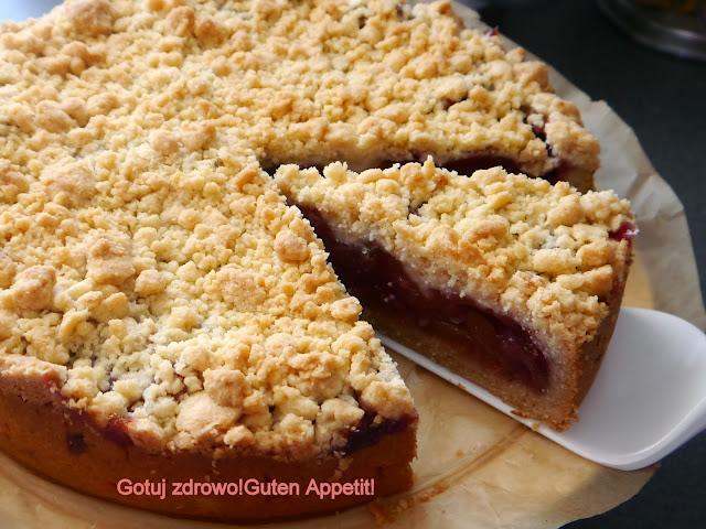 Kruche ciasto ze śliwkami z kruszonką - Czytaj więcej »