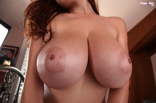 Tessa Fowler naked boobs