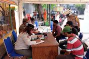 Penegakan Disiplin Prokes, Tiga Pilar Kecamatan Tambora Gelar Operasi Masker