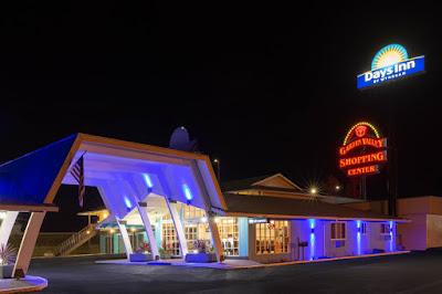 Hotels Near Me   Days Inn by Wyndham Roseburg