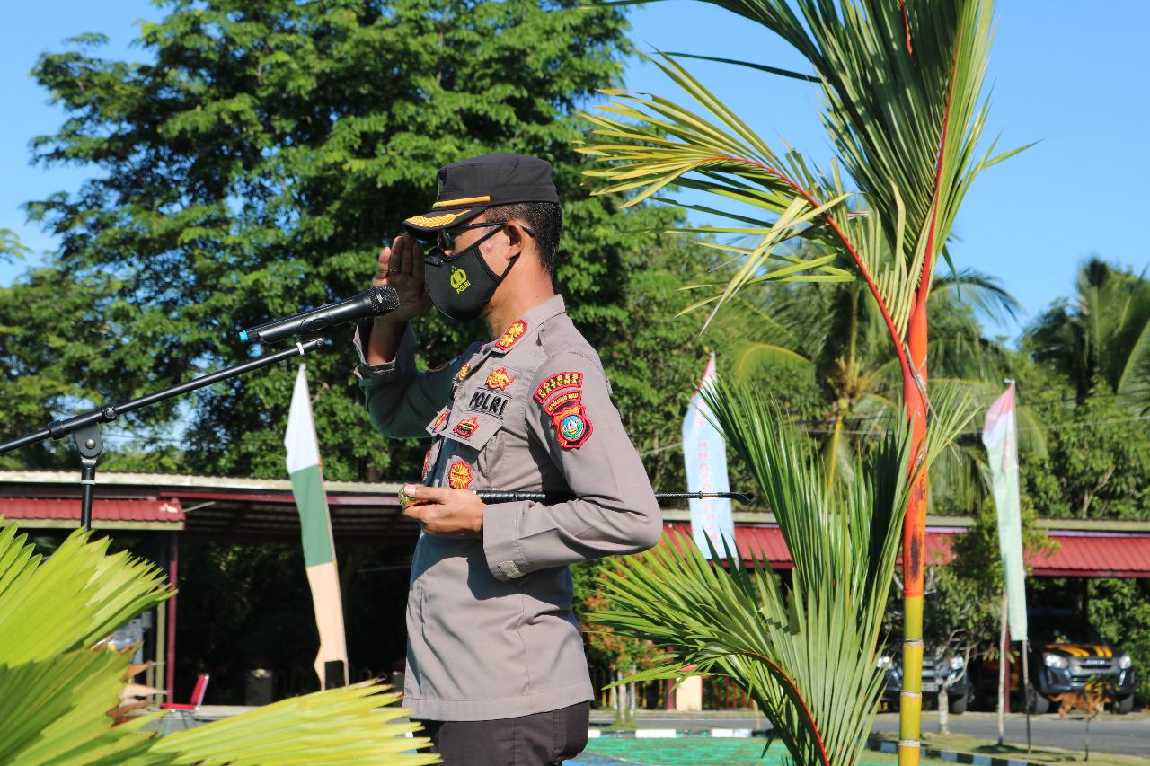Kapolres Natuna Pimpin Upacara Korps Raport Kenaikan Pangkat Terhadap Sembilan Personil