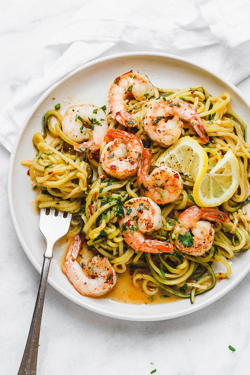 Shrimps with lemon butter and garlic 10 minutes with zucchini noodles - #recipe This fantastic meal is prepared in a pan in just 10 minutes. #Shrimp #Zucchini #Noodles # Low carb, # paleo, # keto and # gluten free. - #recipe