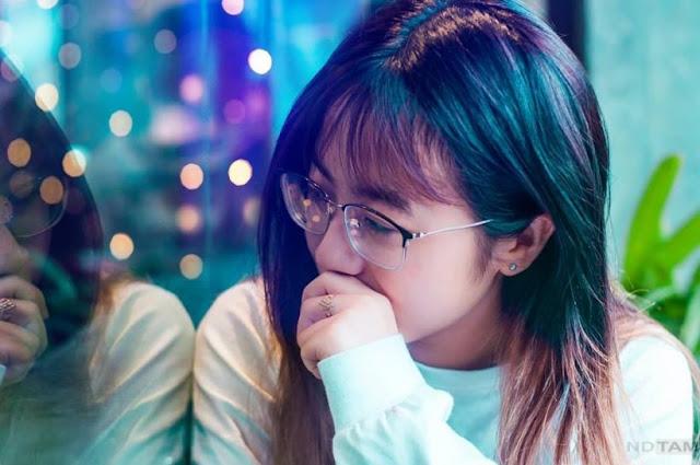 Hình ảnh girl xinh đeo kính siêu cute, dễ thương