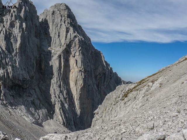 abstieg wanderung ellmauer tor - wochenbrunner alm - wilder kaiser wandern outdoor-blog