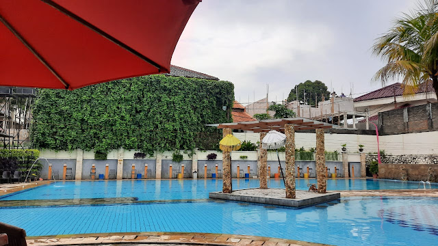 kolam renang bali view cirendeu