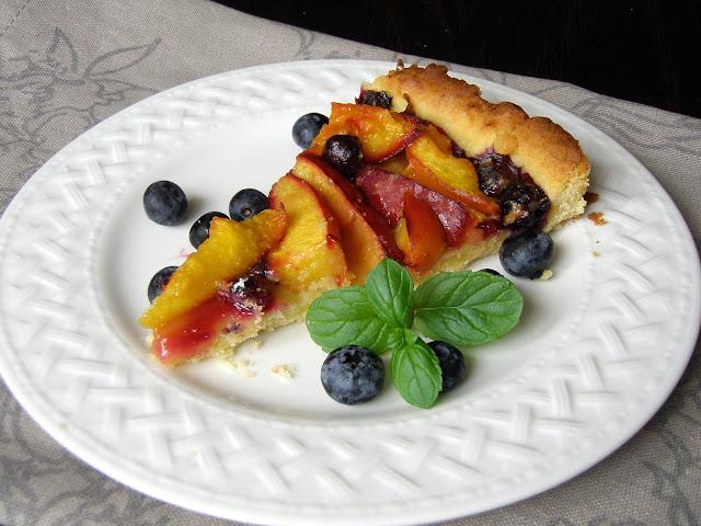 nekt Tarta z nektarynkami i borówką i urlop