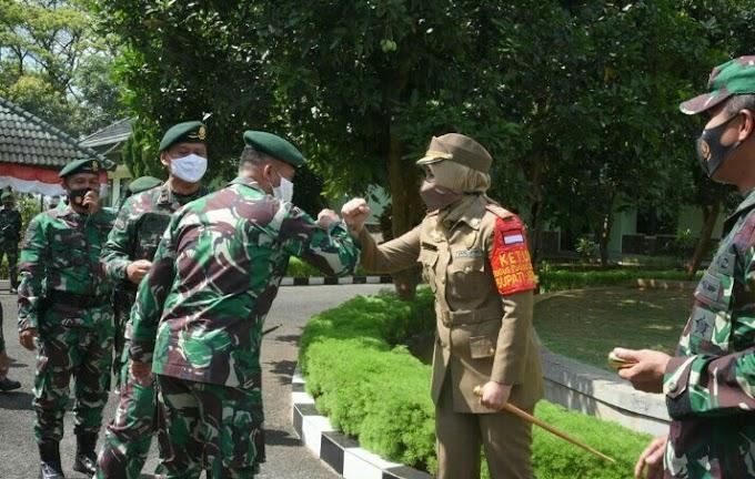 Sambut Danyon 509 Raider Tugas Dari Papua ,Bupati  Pastikan 381 Orang Pasukan TNI Menerima Fasilitas Dengan Baik .