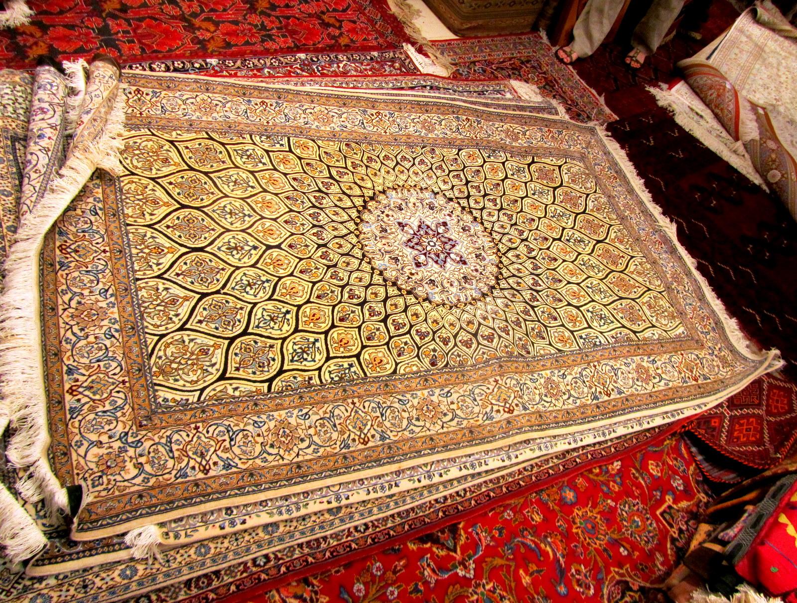 Hello Dubai Scooped Aladdin S Magic Carpet Found In