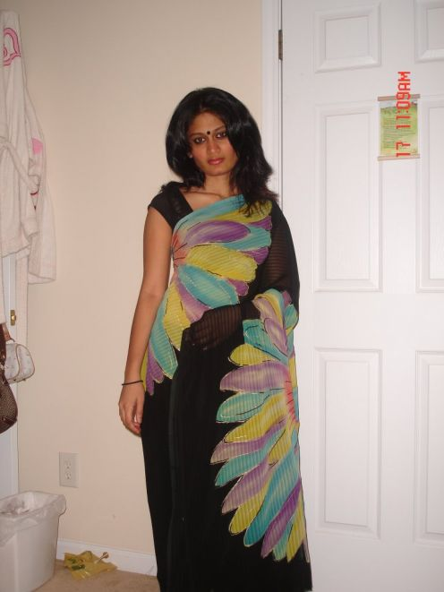 Mallu Aunty Looking Hot In Saree Photos  My 24News And -9837