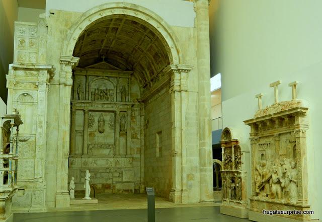 Escultura sacra no Museu Nacional Machado de Castro, Coimbra