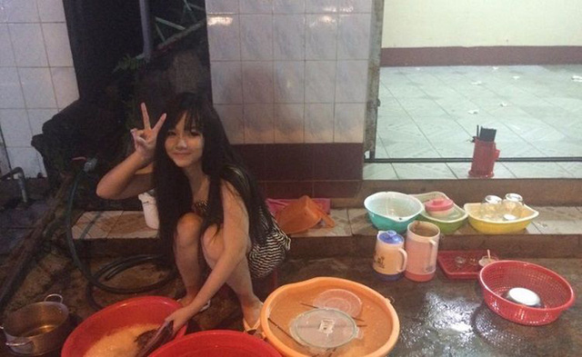 Yon Dolly - Hotgirl rua bat