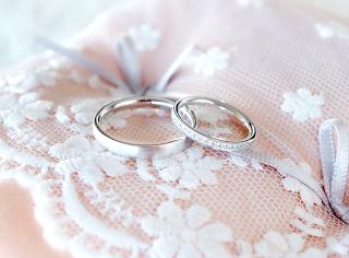銀座オーダージュエリーサロンにてお作りするセミオーダー(結婚指輪)マリッジリングが素敵。
