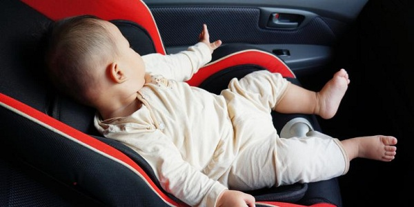 Bayi Tidur Dalam Mobil