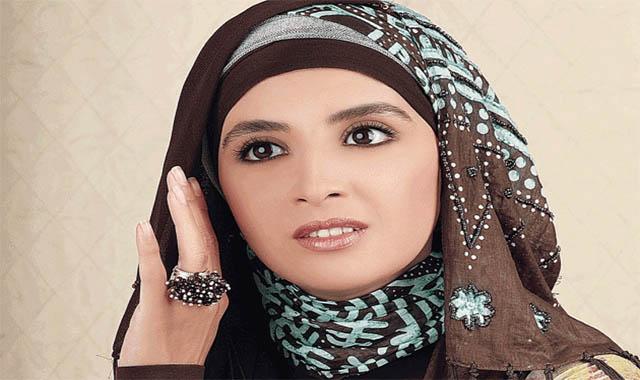 الفنانة حنان ترك وهجرتها إلى أمريكا