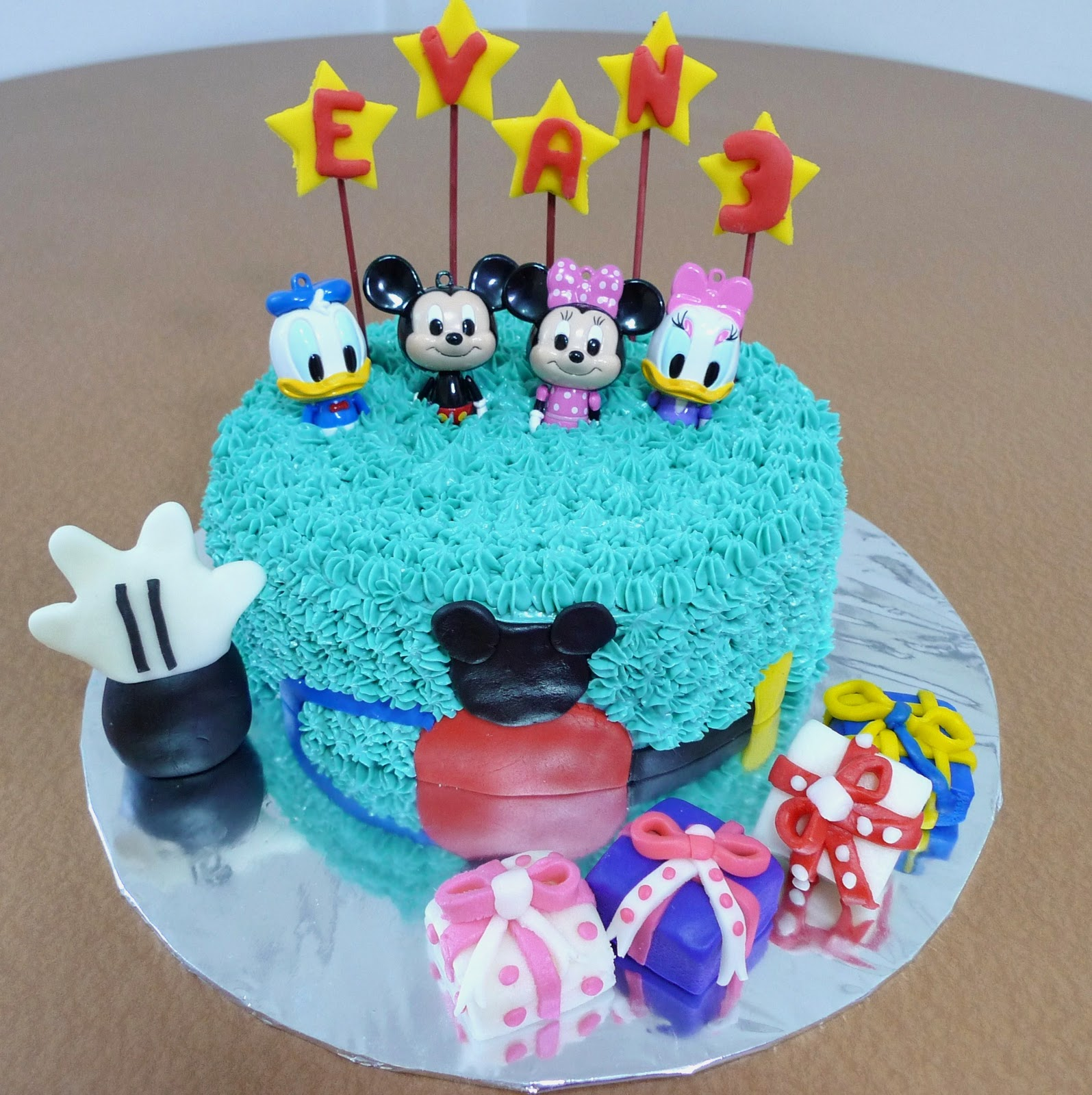 Mickey Mouse Smash Cakes Buttercream: Mickey Mouse Cake